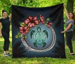 Kanaka Maoli (Hawaiian) Premium Quilt - Polynesian Ohana Turtle Hibiscus Mother Son | Love The World
