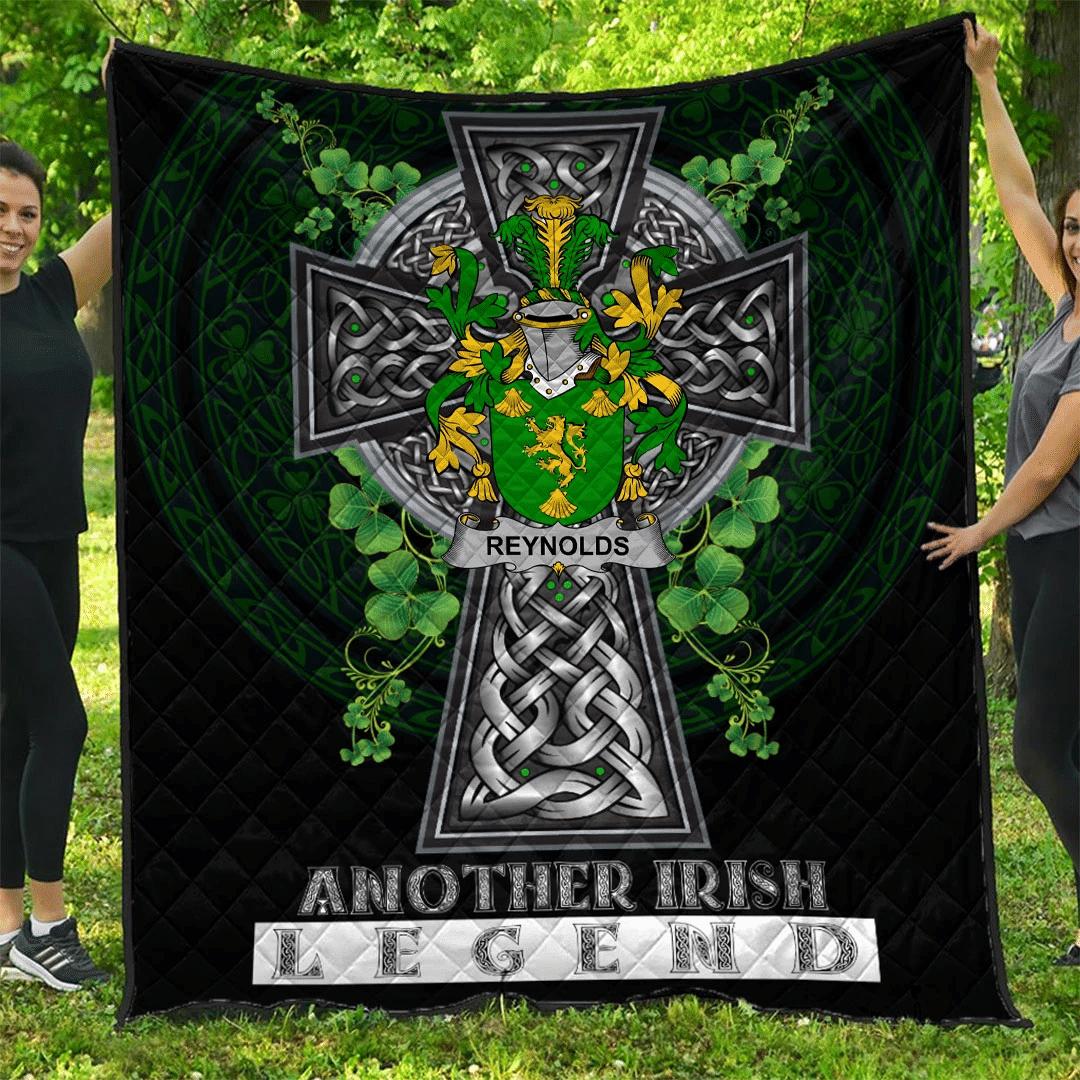 1sttheworld Premium Quilt - Reynolds or McRannell Irish Family Crest Quilt - Irish Legend A7
