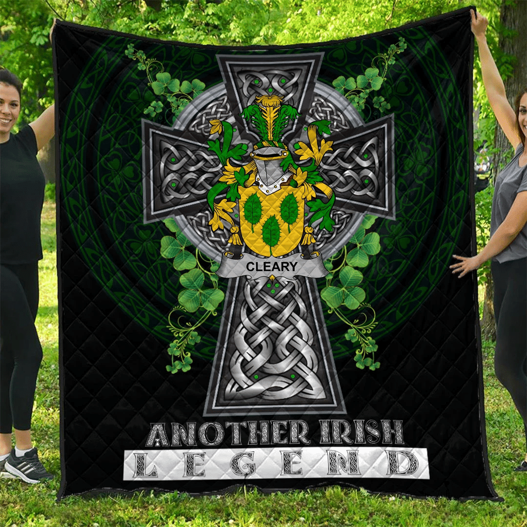 1sttheworld Premium Quilt - Cleary or O'Clery Irish Family Crest Quilt - Irish Legend A7