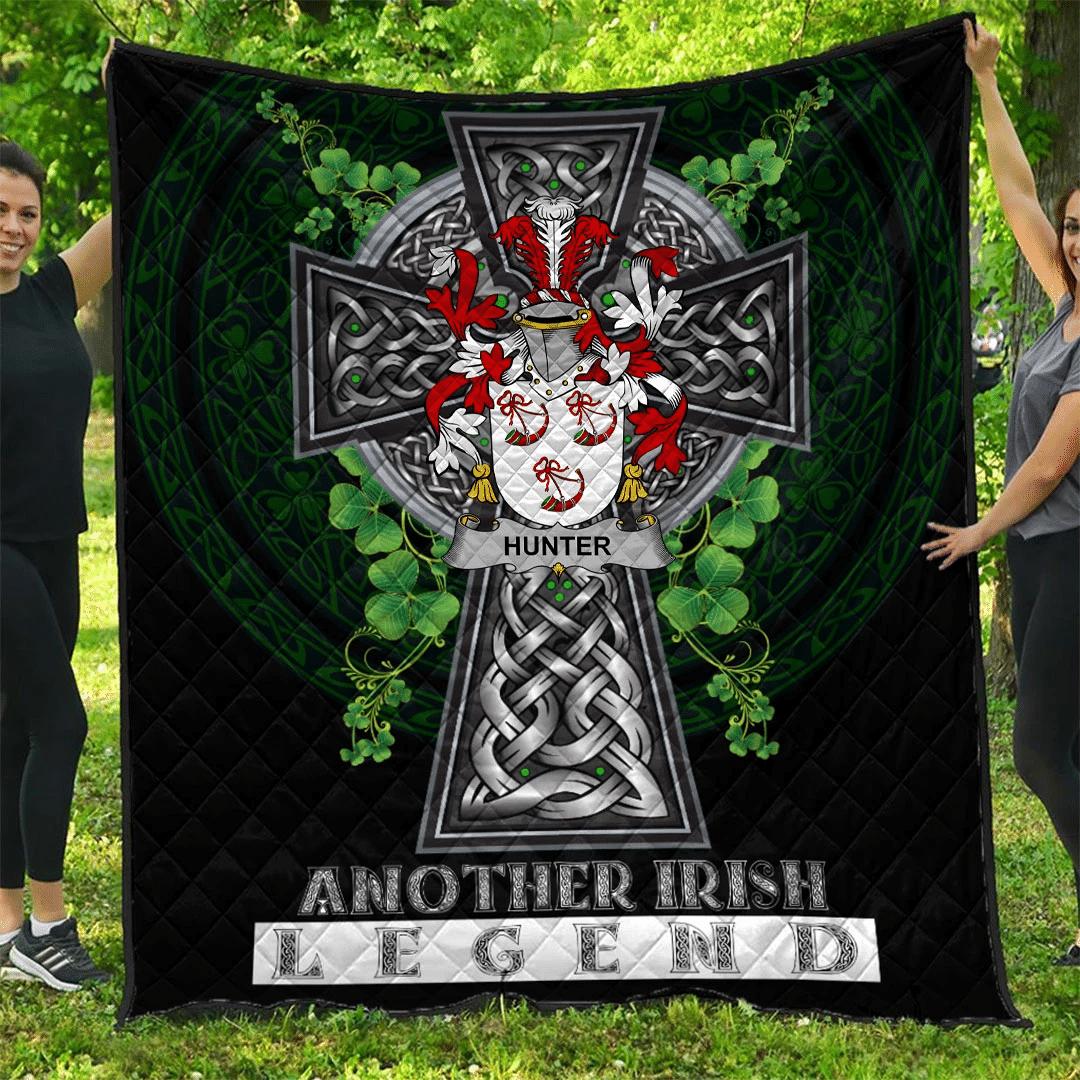 1sttheworld Premium Quilt - Hunter Irish Family Crest Quilt - Irish Legend A7