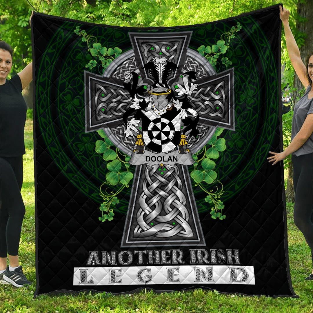 1sttheworld Premium Quilt - Doolan or O'Doolan Irish Family Crest Quilt - Irish Legend A7