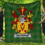 1sttheworld Premium Quilt - Haltridge Irish Family Crest Quilt - Irish National Tartan A7
