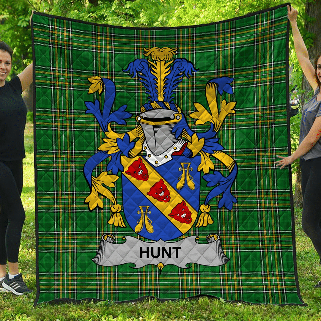 1sttheworld Premium Quilt - Hunt Irish Family Crest Quilt - Irish National Tartan A7