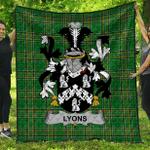 1sttheworld Premium Quilt - Lyons Or Lyne Irish Family Crest Quilt - Irish National Tartan A7