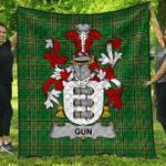 1sttheworld Premium Quilt - Gun Irish Family Crest Quilt - Irish National Tartan A7