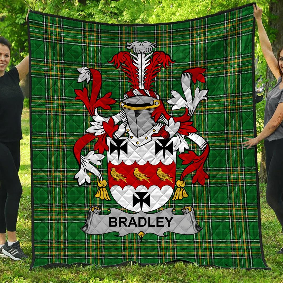 1sttheworld Premium Quilt - Bradley Irish Family Crest Quilt - Irish National Tartan A7