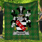 1sttheworld Premium Quilt - Hadsor Irish Family Crest Quilt - Irish National Tartan A7