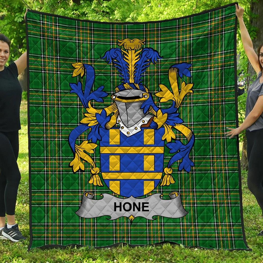 1sttheworld Premium Quilt - Hone Or O'Hone Irish Family Crest Quilt - Irish National Tartan A7