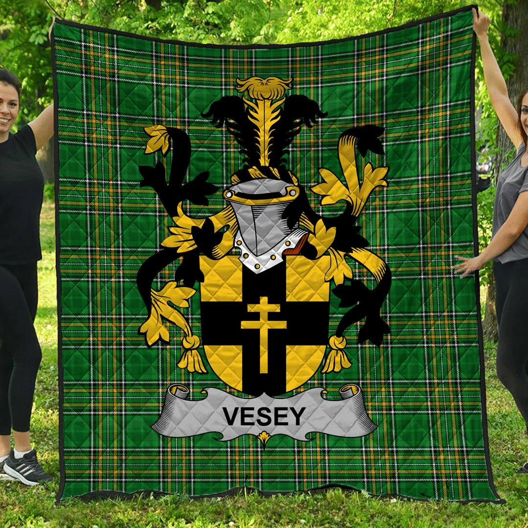 1sttheworld Premium Quilt - Vesey Irish Family Crest Quilt - Irish National Tartan A7