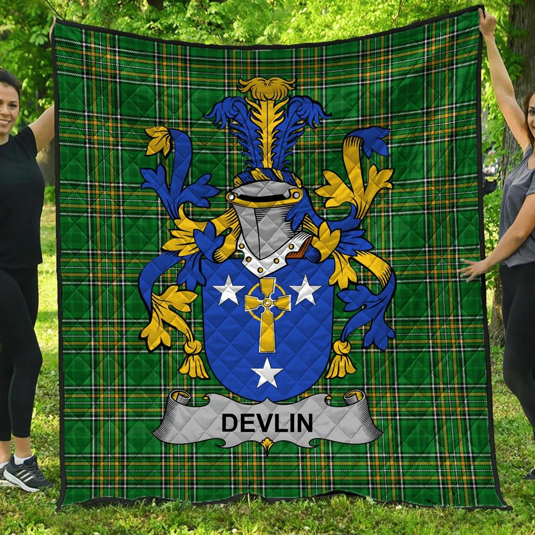 1sttheworld Premium Quilt - Devlin Or O'Devlin Irish Family Crest Quilt - Irish National Tartan A7
