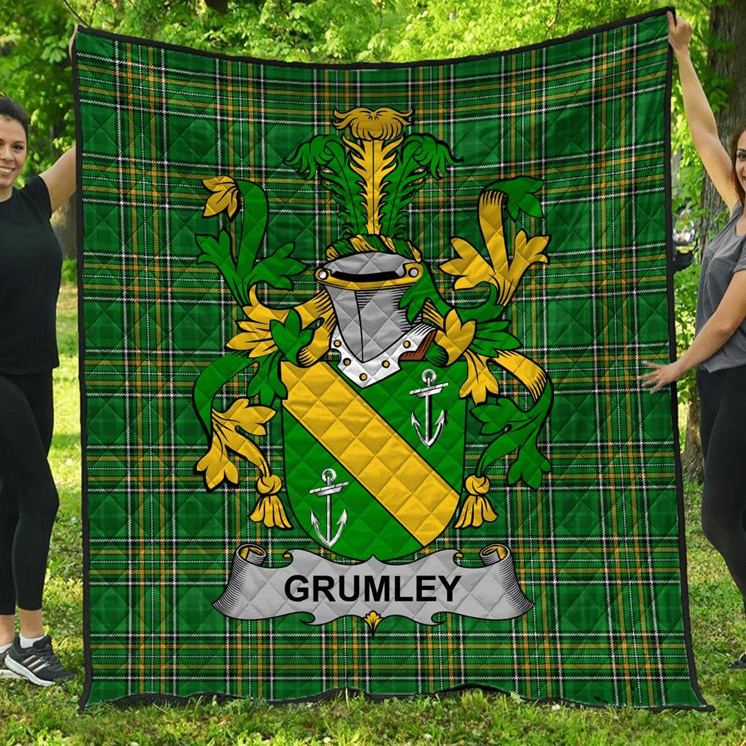 1sttheworld Premium Quilt - Grumley Irish Family Crest Quilt - Irish National Tartan A7