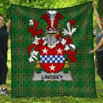 1sttheworld Premium Quilt - Lindsey Irish Family Crest Quilt - Irish National Tartan A7