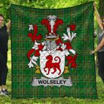 1sttheworld Premium Quilt - Wolseley Irish Family Crest Quilt - Irish National Tartan A7
