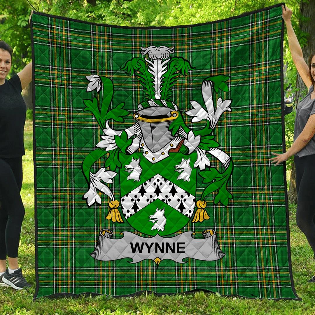 1sttheworld Premium Quilt - Wynne Irish Family Crest Quilt - Irish National Tartan A7