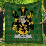1sttheworld Premium Quilt - Giles Or Gyles Irish Family Crest Quilt - Irish National Tartan A7