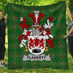 1stScotland Premium Quilt - Flaherty Or O'Flaherty Irish Family Crest Quilt - Irish National Tartan A7