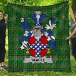 1stScotland Premium Quilt - Taaffe Irish Family Crest Quilt - Irish National Tartan A7