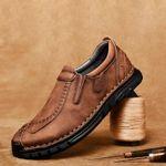 Zapatos de cuero cosidos a mano con suelas suaves y transpirables