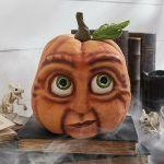 Spaventosa decorazione di Halloween a forma di zucca