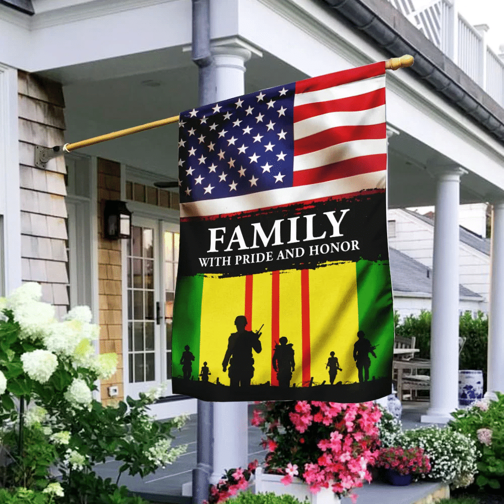 Family With Pride And Honor Vietnam Veterans American US Flag