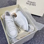 ALEXANDER MCQUEEN low top white sneaker