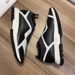 Shoes GIVENCHY Original Version TPU black x white