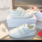 Valentino Garavani Rockstud-embellished low-top White sneakers