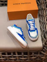 Shoes LV Louis Vuitton white and blue trainer sneaker