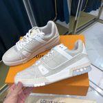 LV Louis Vuitton 2021 run away gray sneaker shoes