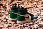 Air Jordan 1 green toe