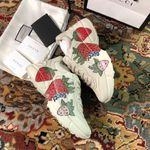 Shoes Gucci Women's Rhyton sneaker With Gucci Strawberry sneaker